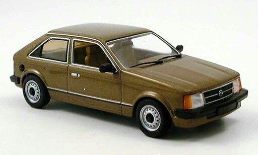 Opel kadett in brown