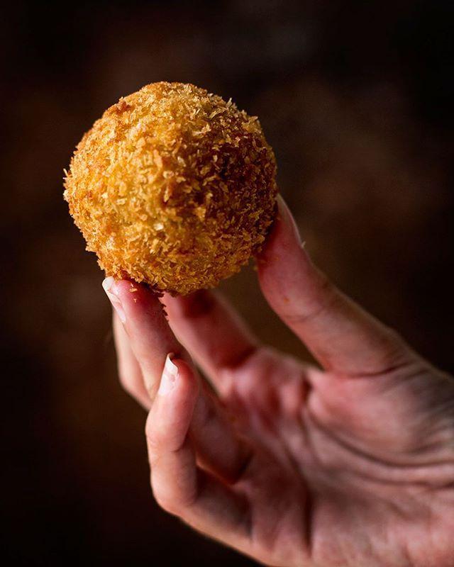 No podéis perderos mi nueva receta de kabocha korokke en el último número de la @revista_eikyo. Rica rica!! #revistaeikyo #foodphotography #foodstyling #instafood #instafoodie #vscofood #korokke #kabocha #kabochanokorokke #japanesefood #food #japan