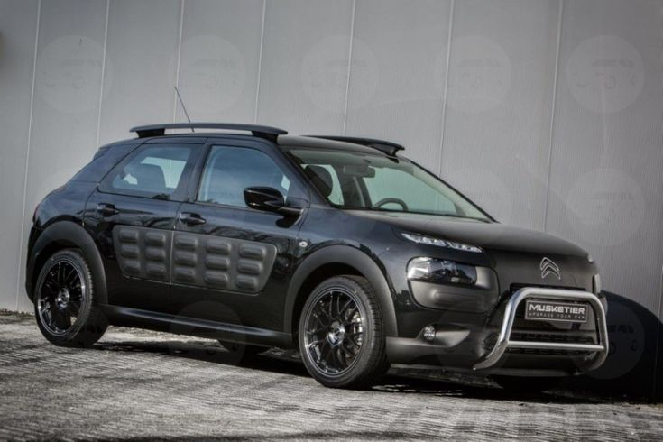 Citroen C4 Cactus 1.2 Flair PureTech 82 [Panoramic] £10,999, Obsidian Black Metallic, Black Cloth Interior, Rear Parking Sensors