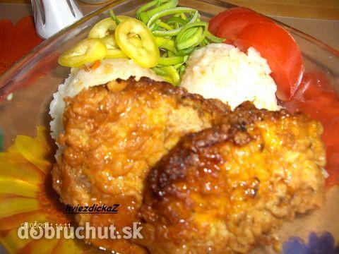 Maďarské rezne - Podávame s ryžou a zeleninovou oblohou.