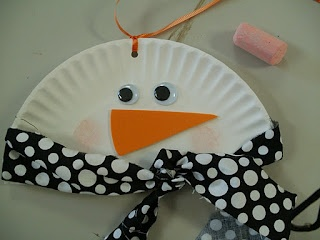 Paper plate snowmen, so easy!!