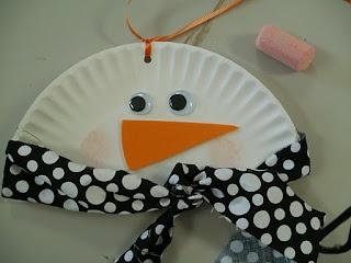 Paper plate snowmen, so easy!!