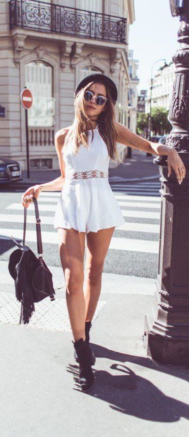 Love this outfit! Definitely would want to get something like this for summer! #street #style Kenzas summer outfit @wachabuy