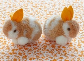 Easter Bunnies made from pompoms.....so cute!