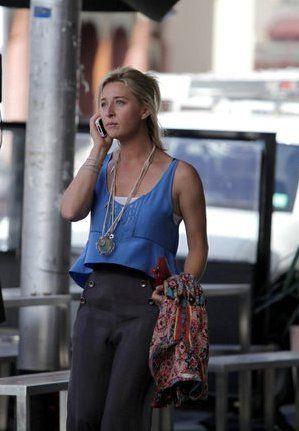 Nina Proudman outfit