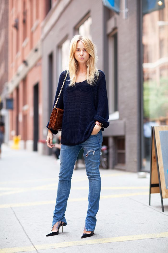 : A Mini-Saia Jeans, Ripped Jeans, Casual Chic, Fashion Forward, Street Style, Outfit, Denim, Heels, Elin Kling