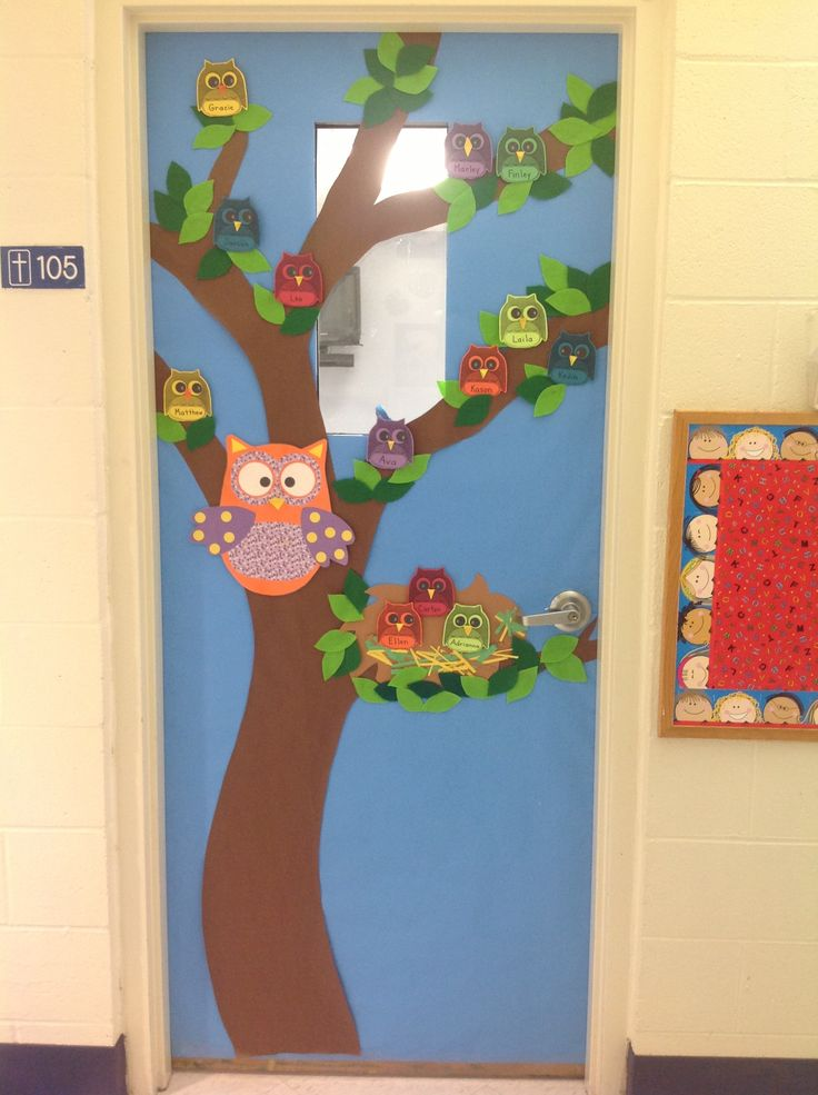 A beautiful OWL THEMED classroom door. Leaves are made from various shades of green felt. Gorgeous door of a great colleague!