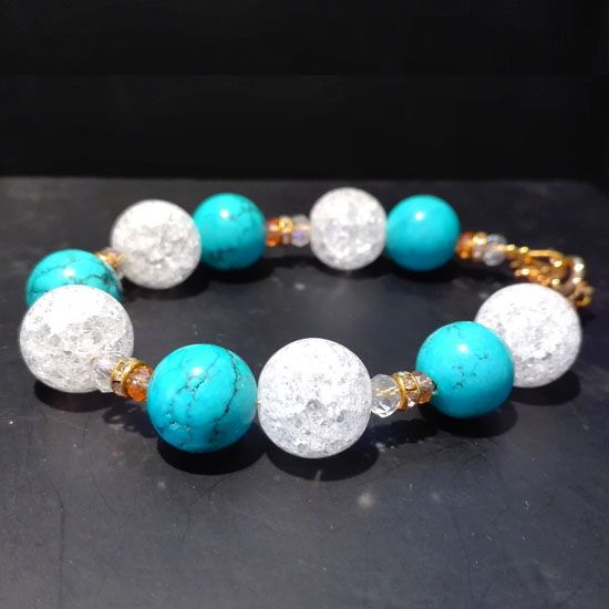 HANDMADE BRACELET CRYSTAL QUARTZ ΤURQUOISE GOLD with Gemstones of Crystal Quartz 12mm, Turquoise 10mm and Goldplated Silver | Crystal Pepper
