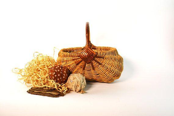 Vintage Egg Basket Gathering Basket Rustic Farm Basket Butt