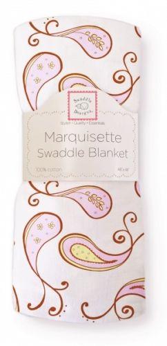 """Dekorativt """"Marquisette"""" gas-teppe.Swaddle Blanket, Triplets Paisley, pastel pink.Paisleymønster,rosa og brun. Supre babytepper til svøping -gir trygghetsfølelse og støtte til nyfødte ved søvn.Også behagelig omslag når man skal holde babyen.* Marquisette er et tynt, løst vevd bomullsstoff igas-kvalitet (lik 1-lags musselin).*Meget luftige og behagelige.* Enkle å vaske - blir mykere og mykere for hver vask.* Naturlige fargeruten aminer, formaldehyd og azo-fargestoff. *..."""