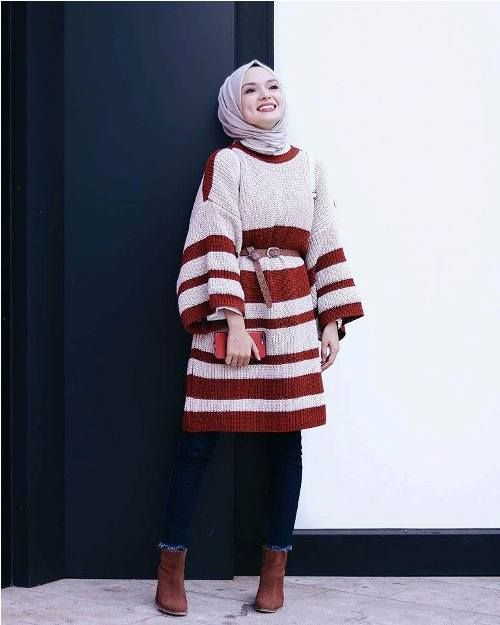Oversized sweater with belt-Winter hijab outfits in prude and style looks – Just Trendy Girls