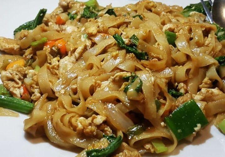 Resep Kwetiau Goreng Enak Dan Mudah Bikin Yuk Resep Resep Masakan Resep Makanan Dan Minuman