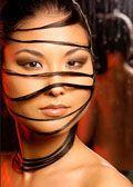 A zsíros haj természetes kezelése:  magas nátrium-lauril-szulfát- és alacsony lanolintartalmú sampon, rozmaringos öblítés http://www.chic-salon.com/a-zsiros-haj-termeszetes-kezelese