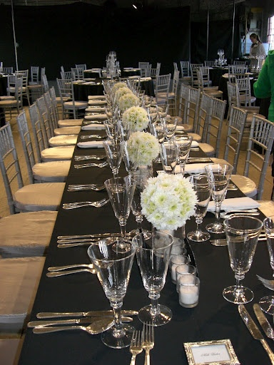Black and white tablescape just in case pinterest for Black and white tablescape ideas