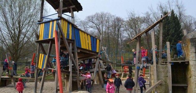 Im Schlosspark geht die Post ab. | ZeitzOnline