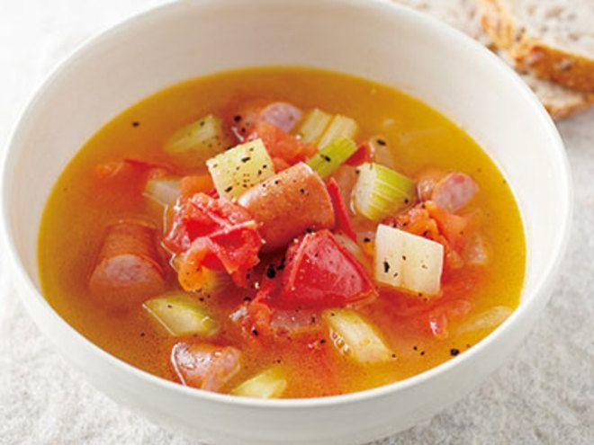 ビネガースープレシピ 講師は小田 真規子さん 濃厚なソーセージのうまみに酢の酸味がよく合います。野菜はすっきりとした香りのセロリを加え、バターでコクと風味がアップします。