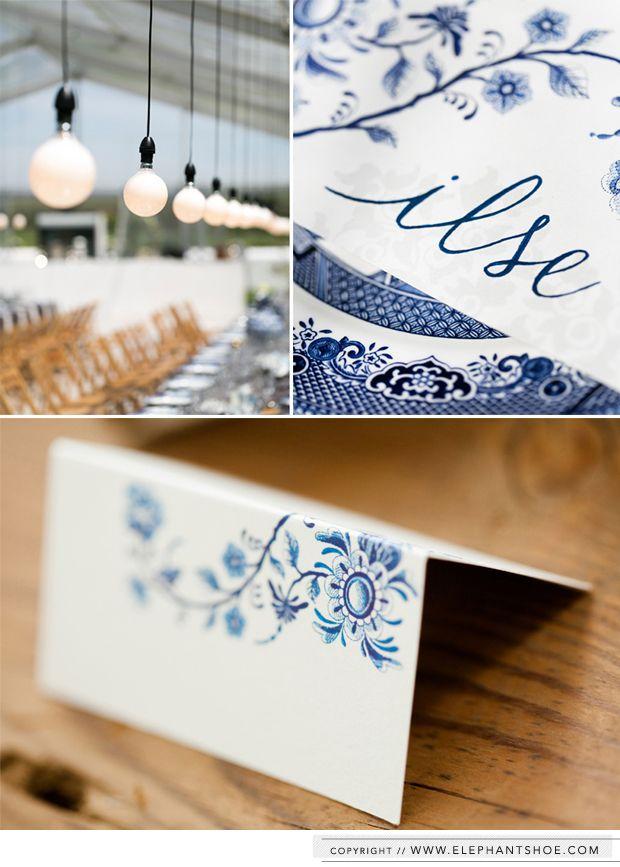 Delft blauwe naamkaartjes | styling bruiloft | leuk Nederlands detail als je in het buitenland gaat trouwen