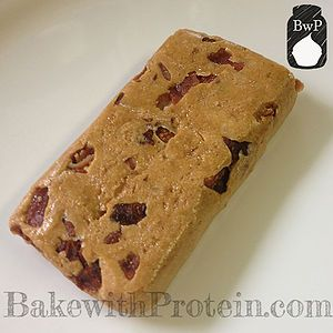 maple bacon protein bar  - 1 Scoop Platinum 100% Iso-Whey Vanilla Ice Cream - 2 tsp Maple Extract - 1 Tbs Water - 25g Vitafiber syrup - 2 Strips Cooked Bacon, Crumbled