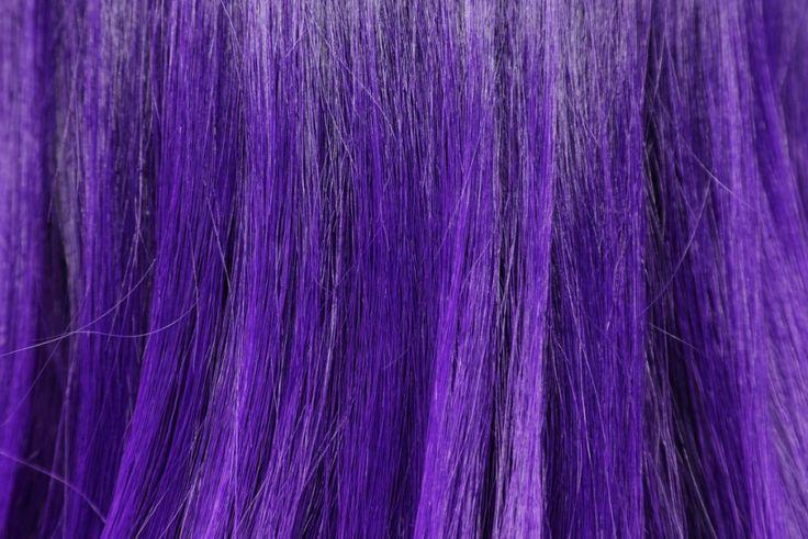 Manchou o cabelo loiro de roxo com violeta genciana? Tem salvação e há como tirar o roxo do cabelo.