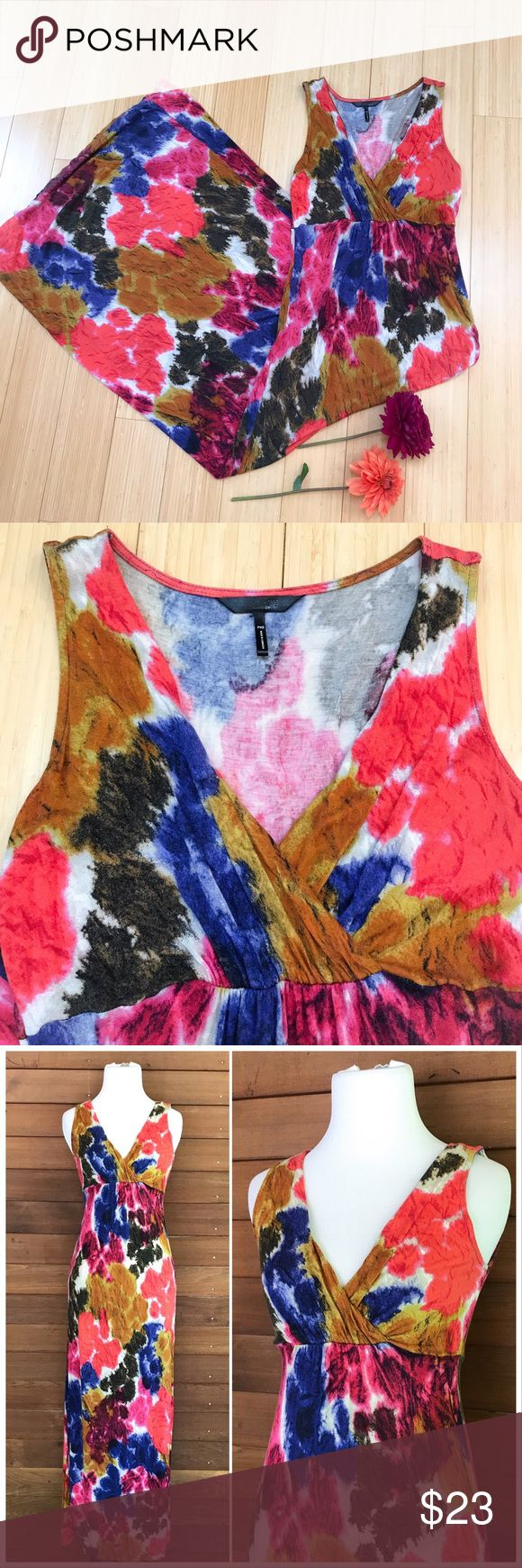 Maxi dress for short people!   Colorful, soft, XSP The perfect maxi dress for petite people! Daisy Fuentez size extra small petite gorgeous and soft maxi dress. The most vivid and beautiful colors, will fit up to a size 4 but probably not larger. Bust is flexible because of the crossover design, band below bust stretches to 14.5 inches, length is 54 inches. Really beautiful! Daisy Fuentes Dresses Maxi