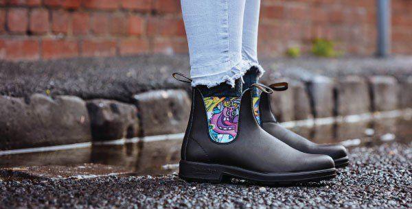 Women S Blundstone 1390 Graffiti Elastic Boot In Black New Blundstone Graffiti A Spray Of Colour That S Easy To Remove Blundstone Boots Boots Elastic Boots
