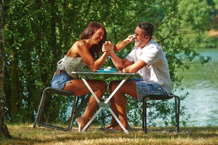 Bras de fer, pied alu ! #camping #table #trigano