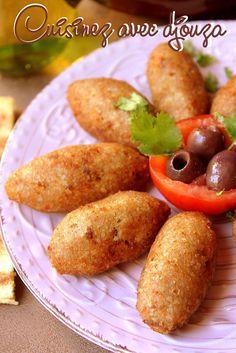 Recette des Kebbes (kebba), délicieuses boulettes de viande hachée composées d'une pâte préparée au boulgour, un mezze de la cuisine palestinienne