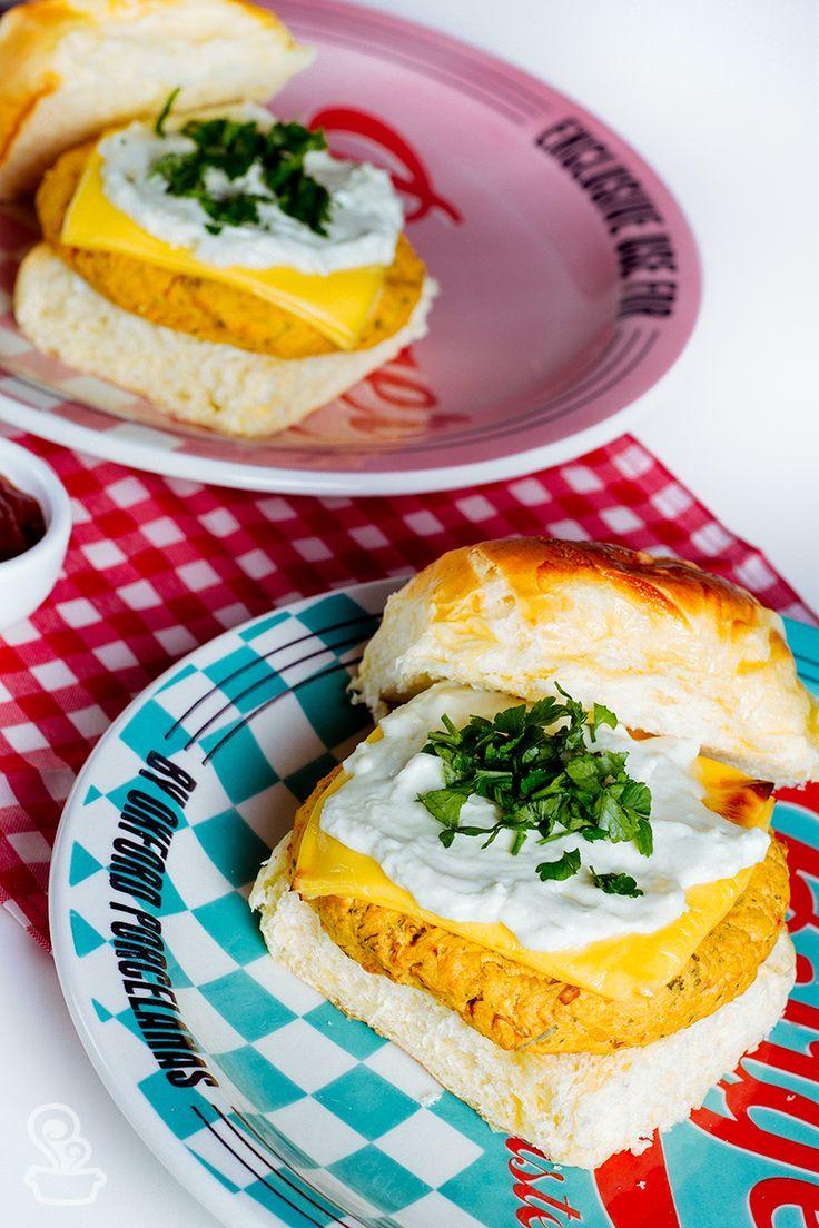 hambúrguer vegetariano de grão de bico apimentado, delicioso e super saudável!