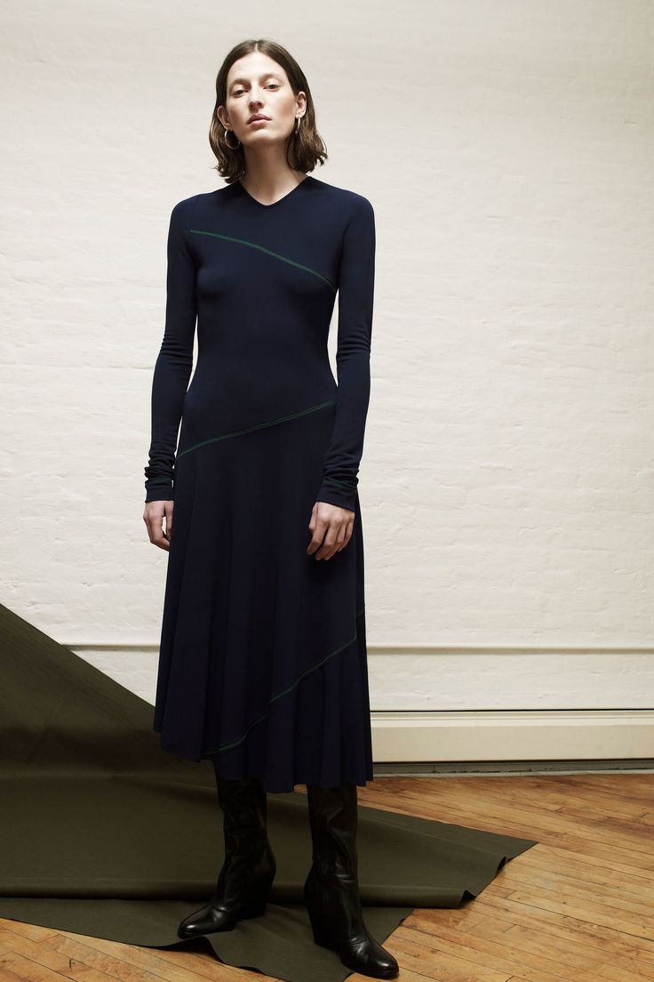 Colovos F/W 2017 RTW: Simple look, but then, why should fashion always have to be complicated?