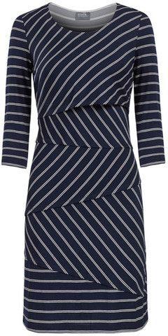 Layered zig zag nursing dress – www.milkandbaby.com #breastfeed in style