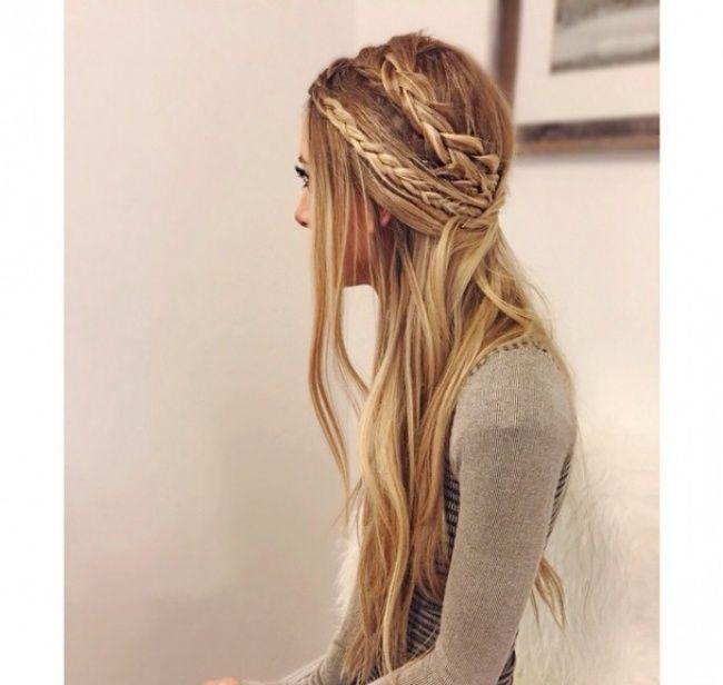 les 25 meilleures id es concernant cheveux hippie court sur pinterest coiffures hippie. Black Bedroom Furniture Sets. Home Design Ideas