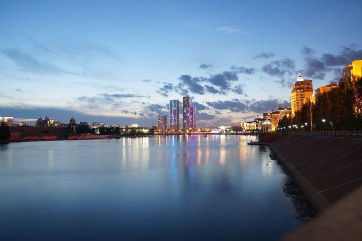 Just before nightfall at Ishim river in Astana #astana