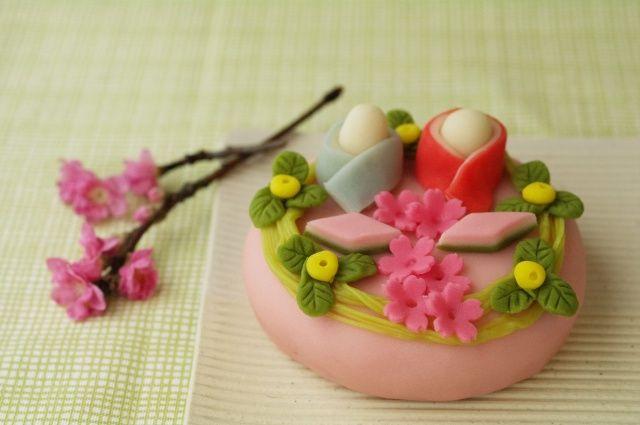 桃の節句にちなんで    和菓子 「ひな祭り」 と 「西王母」 : ふつうのコト #wagashi