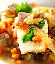 Sjømatgryte med hasselnøtter og tomat. Digg