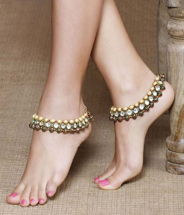 Loved it: Aradhyaa Jewel Arts Gold plated anklets with meenakari and semi precious stones, http://www.snapdeal.com/product/aradhyaa-jewel-arts-gold-plated/2027733576