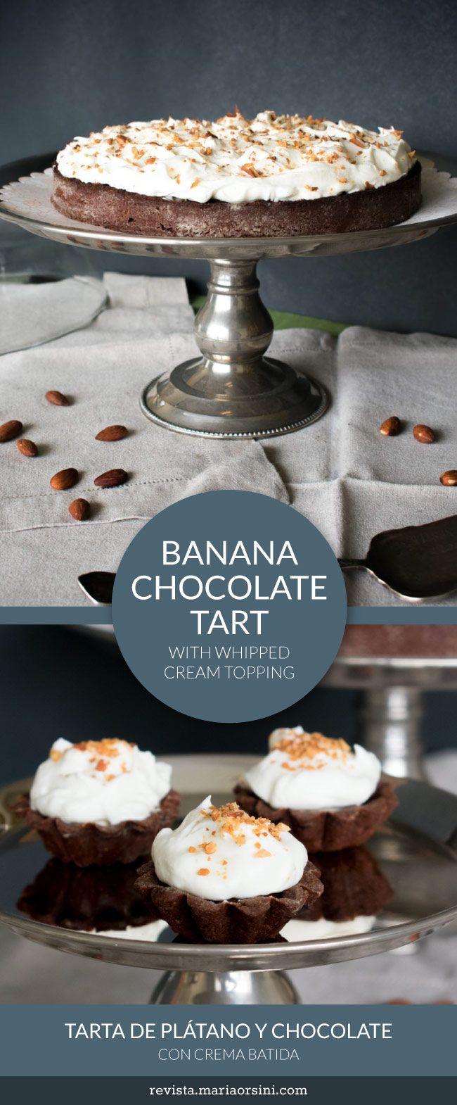 Banana chocolate tart, with whipped cream and almonds - tarta de chocolate y plátano, con crema batida y almendras.