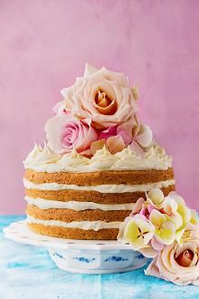 Chai latte layer cake with white chocolate frosting. Recipe by Great British Bake Off winner Nadiya Hussain