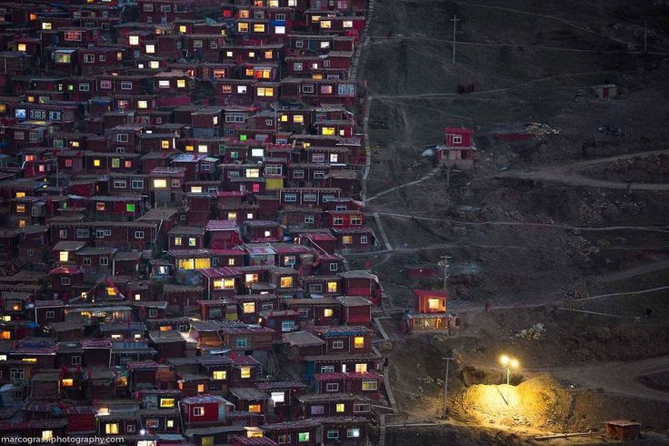 #marco_grassi #marco_grassi_photography #photography #photographer #forbidden_college #the_hive #hive #red_house #house #larung_gar #patagonia #colorful #light #sunset #santa_cruz #argentina #noipic