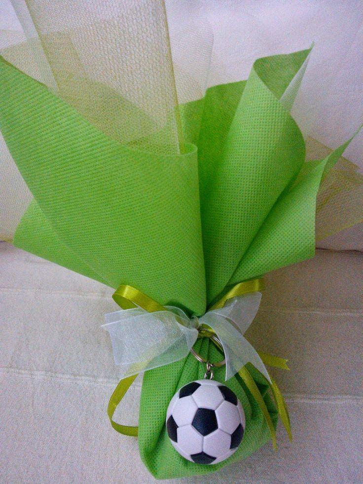 OTINANAI: Μπομπονιέρες πουγκί με μπρελόκ μπάλα ποδοσφαίρου