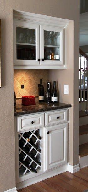 De 25 bedste id er inden for mini bars p pinterest wet for Building a home bar with kitchen cabinets
