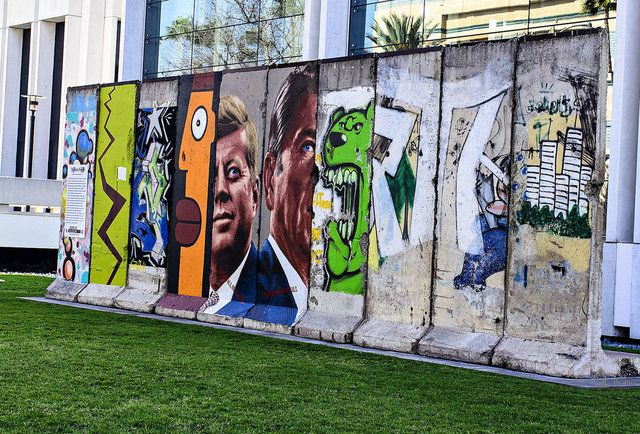 The longest stretch of the Berlin Wall outside of Berlin is... on Wilshire?