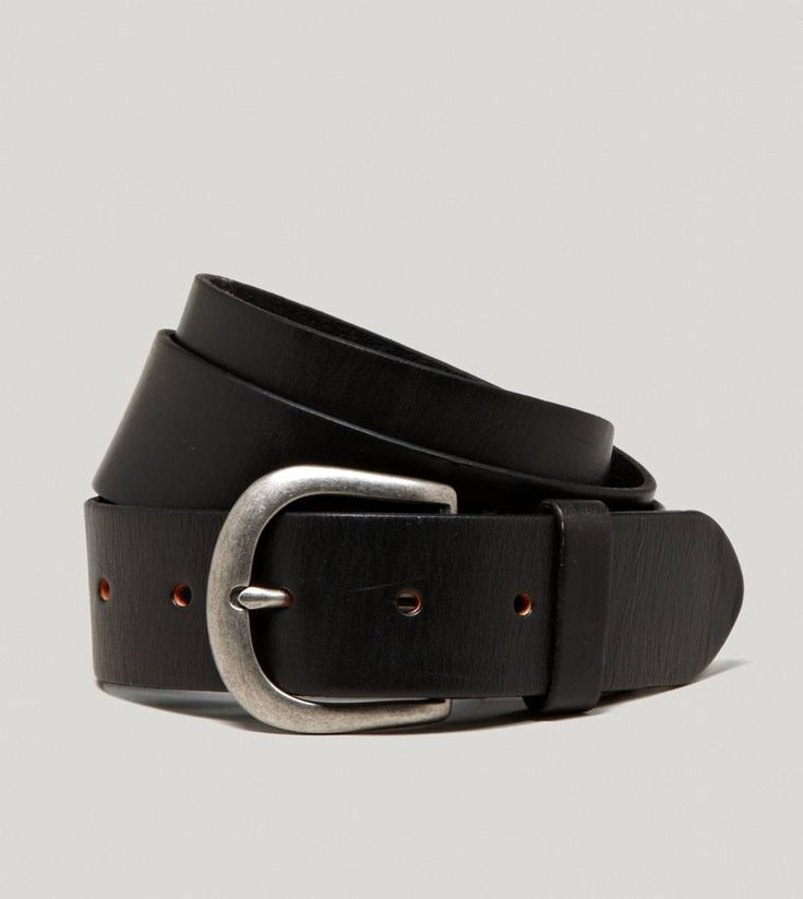 AEO Leather Belt Leather Belts are very in style right now. They go with everything and look very casual with a white shirt and AEO jeans