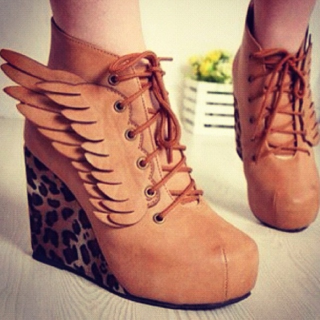 Tan wingsShoes, Fashion, Cowboy Boots, Ankle Boots, Leopards Prints, Wedges, Animal Prints, Heels, Angels Wings