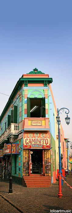 Caminito tango in La Boca, most colorful neighborhood in Buenos Aires, ARGENTINA