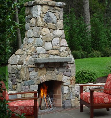 OUtdoor fireplace...need!
