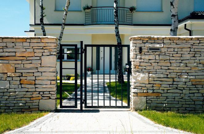 Wybierz Projekt Ogrodzenia Plot Furtka I Brama Wejsciowa Skladajace Sie Na Ogrodzenie Domu Powinny Tworzyc Zgrana Calos Outdoor Structures Garden Arch Modern