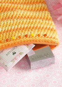 Crochet Zipper Pouch Tutorial : crochet zippered bag free pattern Crocheted Bags & Totes Pinterest