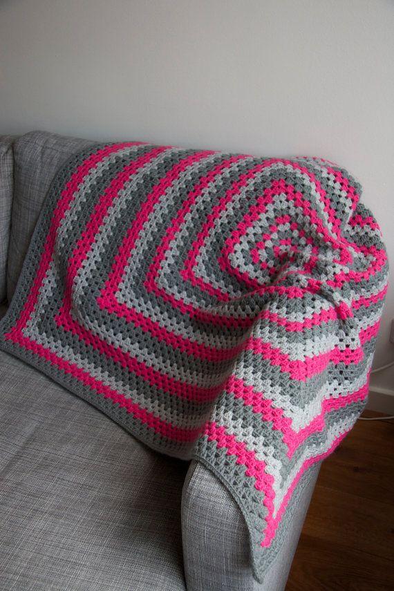 Granny square deken roze met grijs