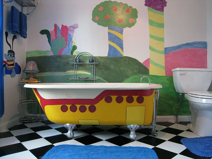 Yellow submarine bathroom - so want this in like my child's room!