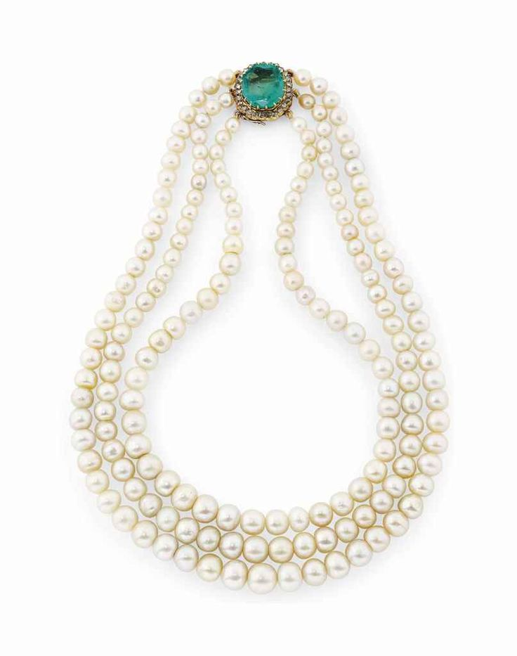 A NATURAL PEARL AND EMERALD NECKLACE